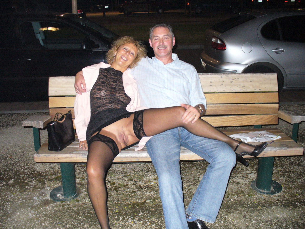 Mec mature bien membré pour relation candauliste avec femme offerte